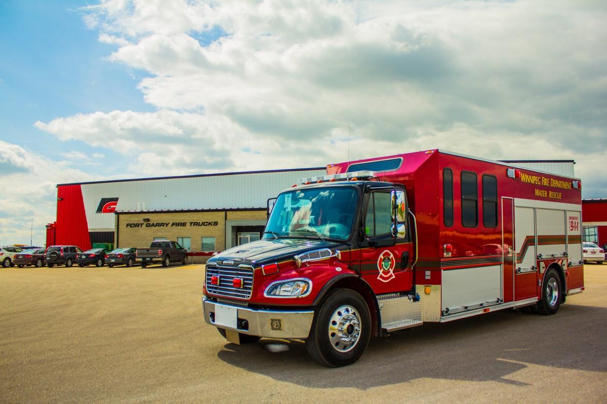 Winnipeg Fire Department Water Rescue Fort Garry Fire